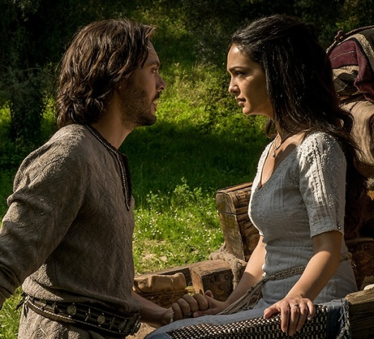Judah Ben-Hur (Jack Huston) and Esther (Nazanin Boniadi) Photo: ShareBenHur.com